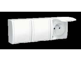 Zásuvka trojitá s uzemnením - krytie IP54 - krycia klapka v bielej farbe biela 16A